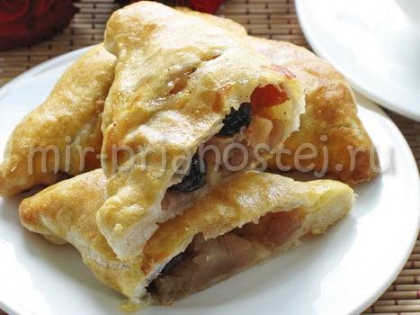 Слоеное тесто с начинкой из яблок